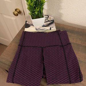 Lululemon Leggings Purple and Black Lined Pattern